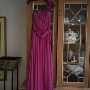 Stunning petite one shoulder gown. Fuchsia color!!